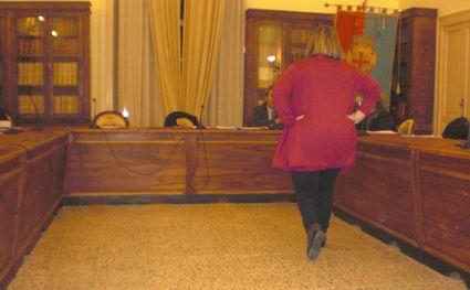 caiazzo-consiglio-15x9-sibillo-spalle-2810-2015-6354
