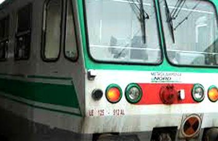 treno-15x10-na-ce-bn