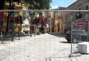 caiazzo-portavetere-sbarrata-8456-300x206