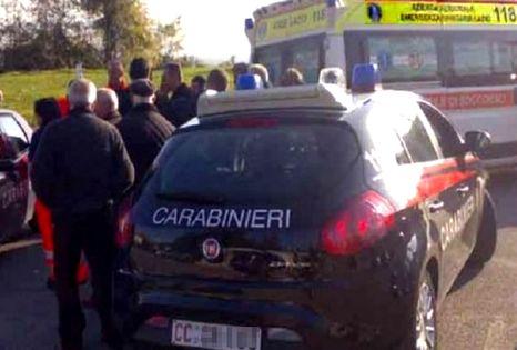 carabinieri-ambulanza-folla-11-466x315