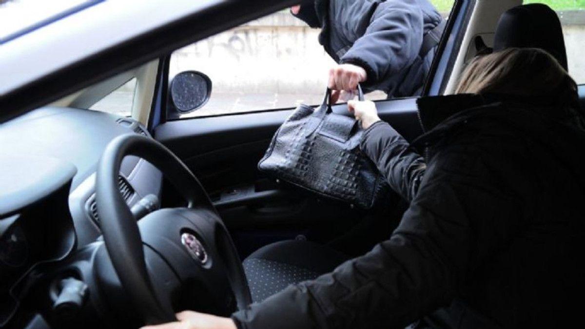 RAPINA UNA DONNA IN AUTO | Fissato l'interrogatorio di garanzia per Pugliese