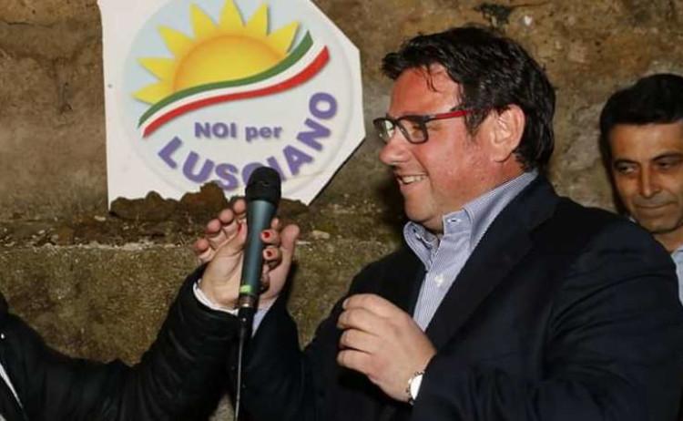 Indagati sindaco ed ex assessore di Lusciano
