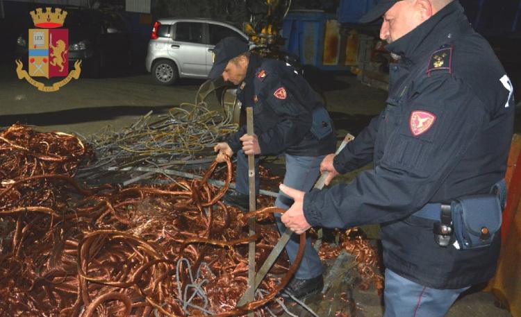 """Operazione """"Oro Rosso"""". La Polfer Campania sequestra quasi due tonnellate di rame rubato"""